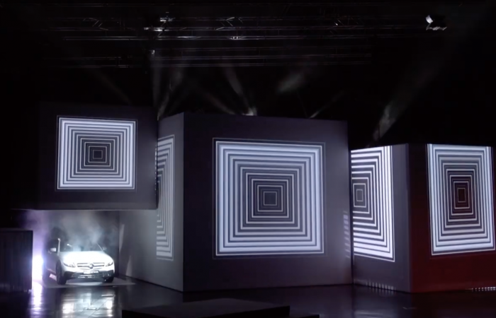 CUBES VIDEO MAPPING CAR REVEAL